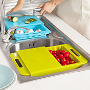 tablas de cortar fregadero de la cocina se lavan los platos para lavar cortar con el bloque de la cesta de drenaje de cortar