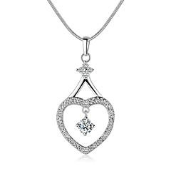 Férfi Női Rövid nyakláncok Nyaklánc medálok Függők Ezüst Cirkonium Strassz Szerelem luxus ékszer jelmez ékszerek Ékszerek Kompatibilitás