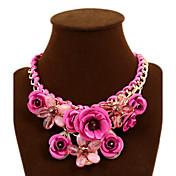 Mujer Rosas Flor Forma Trenzado Festival/Celebración Joyería Destacada Europeo Collares Declaración Piedras preciosas sintéticas Legierung