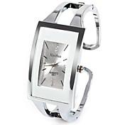 Dame Moteklokke Unike kreative Watch Quartz Rhinstein Imitasjon Diamant Legering Band Analog Fritid Armring Sølv - Hvit Ett år Batteri Levetid / SSUO LR626