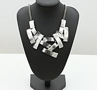 Недорогие -Жен. форма Мода Простой стиль Ожерелья с подвесками Сплав Ожерелья с подвесками Особые случаи День рождения Подарок