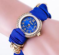 cheap -Women's Bracelet Watch Fashion Watch Quartz / Casual Watch Fabric Band Flower Casual Black White Red Green Pink Yellow Navy Rose