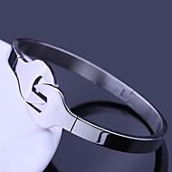 Klucz spersonalizowanych Prezent Biżuteria ze stali nierdzewnej grawerowane design Bransoletki 1cm Szerokość mankietów
