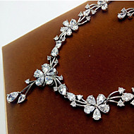 abordables -Mujer Zirconia Cúbica Conjunto de joyas Zirconio Gota Incluir Plata Para Fiesta / Pendientes / Collare