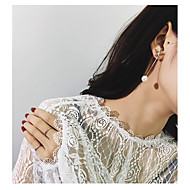 Női Beszúrós fülbevalók , Virágos Divat Gyöngyutánzat Ötvözet Virág Ékszerek Estély