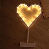 ieftine -1 buc Heart Shape LED-uri de lumină de noapte Galben Baterii AA alimentate Creative <=36 V