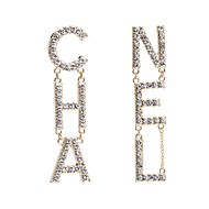 Χαμηλού Κόστους -Γυναικεία Ασημί Χρυσό Κρεμαστά Σκουλαρίκια Επιχρυσωμένο Προσομειωμένο διαμάντι Σκουλαρίκια Alphabet Shape Γράμμα Ευρωπαϊκό αρχική Κοσμήματα Κοσμήματα Χρυσό / Ασημί Για Καθημερινά 1 Pair