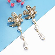 baratos -Mulheres Brincos Compridos Imitação de Pérola Imitações de Diamante Brincos Jóias Dourado Para Casamento Presente 2pcs