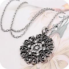 preiswerte Halsketten-Damen Synthetischer Diamant Anhängerketten / Anhänger - Blumen / Botanik Freizeit, Modisch Schwarz, Silber Modische Halsketten Für Alltag