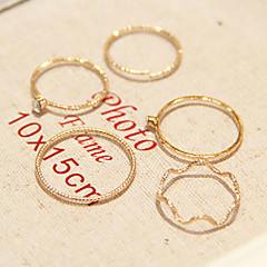 preiswerte Ringe-Damen - Diamantimitate, Aleación Personalisiert, Modisch 8 Golden Für Alltag Normal / Strass
