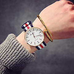 preiswerte Tolle Angebote auf Uhren-Damen Armbanduhr Quartz Nylon Band Analog Luxus Retro Freizeit Schwarz / Braun - Rosa Weiß / Rot Marine / Rot / Weiß