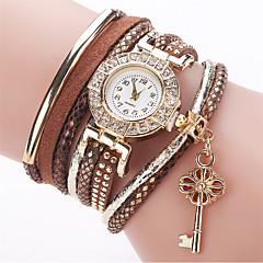 preiswerte Tolle Angebote auf Uhren-Damen Modeuhr Armband-Uhr Simulierter Diamant Uhr Quartz Imitation Diamant PU Band Analog Charme Freizeit Elegant Weiß / Blau / Rot - Rot Grün Leicht Grün