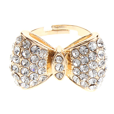 Der Bogen voller Diamant-Ring