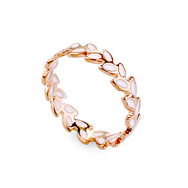 White Leaf Shape Fashion Ring
