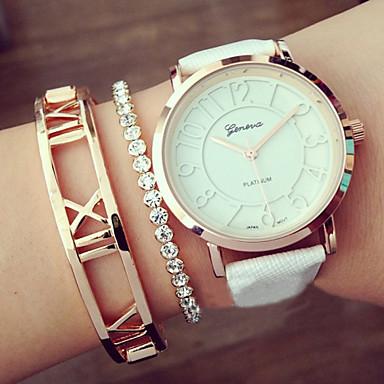 Mulheres Quartzo Bracele Relógio Gravação Oca PU Banda Amuleto Fashion Preta Branco