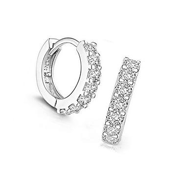 Damskie Kolczyki na sztyft Kolczyki koła Biżuteria Europejski Srebro standardowe Imitacja diamentu Circle Shape Biżuteria Na Codzienny
