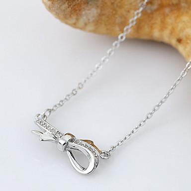 billige Mode Halskæde-Dame Halskædevedhæng Smykker Butterfly Form Sølv Mode Sølv Smykker For Daglig Afslappet 1 Stk.