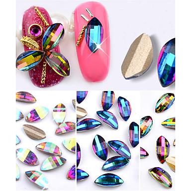 10 Nagelkunst decoratie Strass parels make-up Cosmetische Nagelkunst ontwerp