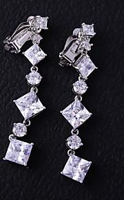 Γυναικεία Cubic Zirconia Σκουλαρίκια με Κλιπ Σκουλαρίκια Μοντέρνα Κοσμήματα  Λευκό Για Γάμου Αρραβώνας 1 ad542af2dd8