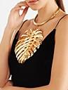 Žene Sa stilom Bib ogrlice Ogrlice s privjeskom Izjava Ogrlice Vintage ogrlica Leaf Shape Kreativan dame Jedinstven dizajn Europska Ogroman Cool Zlato Crn Pink 37+13.5 cm Ogrlice Jewelry 1pc Za Party